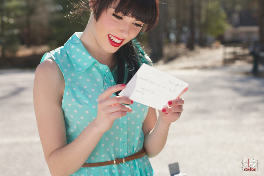 woman reading a love letter, retro inspired portrait photography