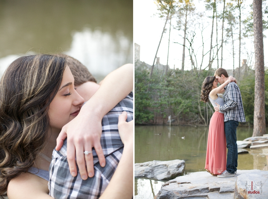 intimate engagement photography, romantic outdoor engagement photography