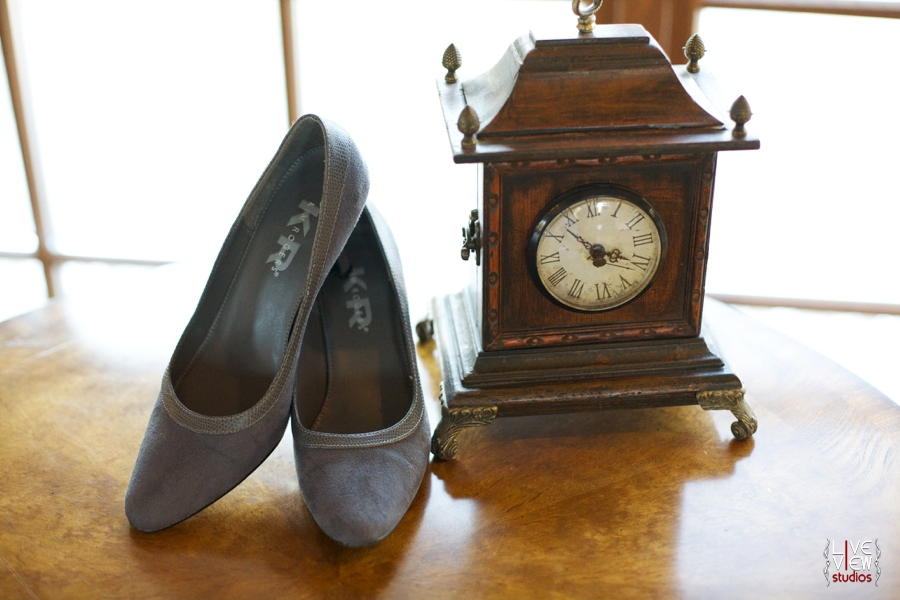 brides vintage flats, 20's inspired wedding photography