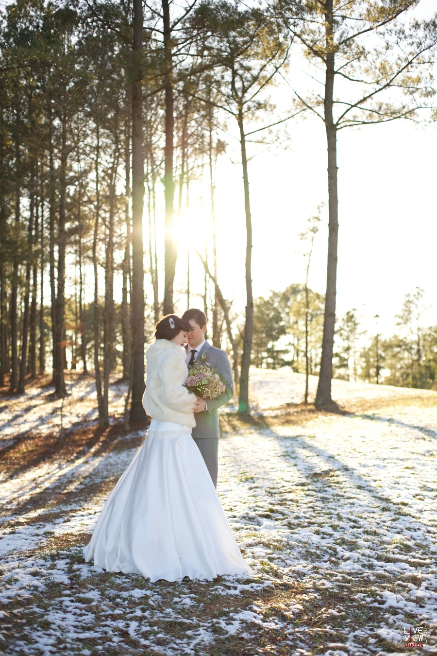 winter wedding photography, outdoor couple's portraits