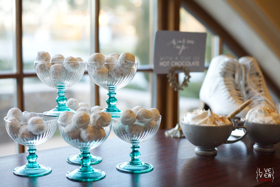 little pastries covered in powdered sugar, winter themed wedding reception ideas, raleigh nc wedding photographers