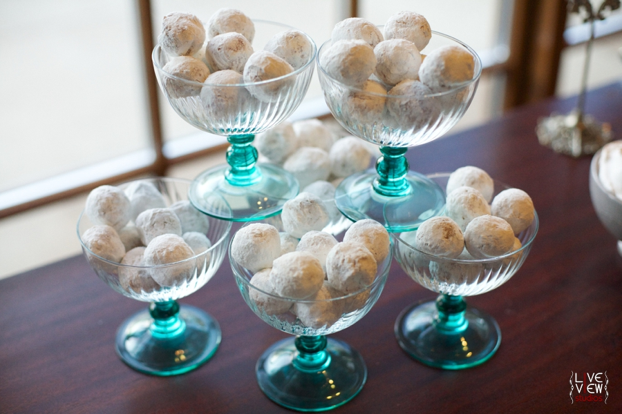 little pastries covered in powdered sugar, winter wedding reception ideas
