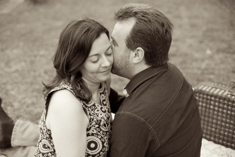 intimate vintage engagement photography