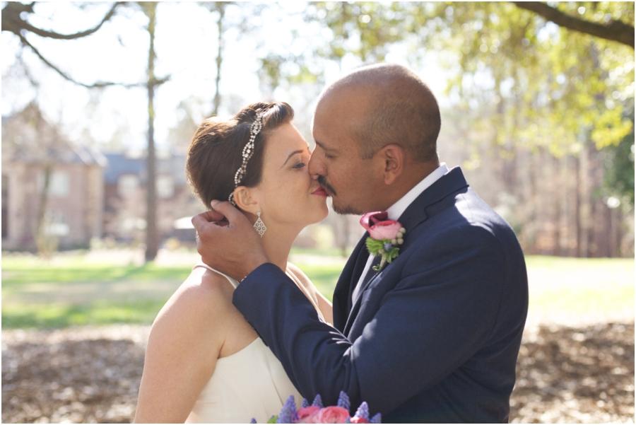 romantic kiss, garden wedding photography