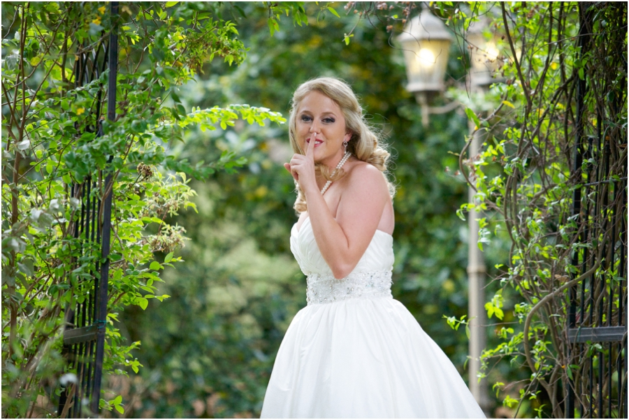 romantic first look photography, garden bridal photography