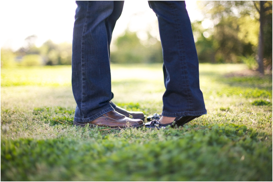 tip toe kisses, southern engagement photographers