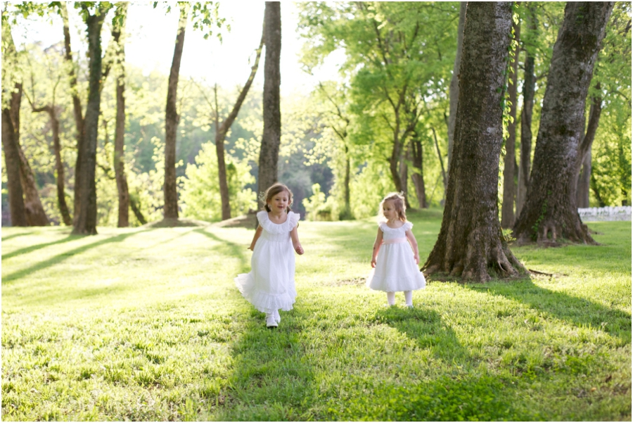 flowergirls playing in a field, forest wedding photography, rustic outdoor wedding photographers