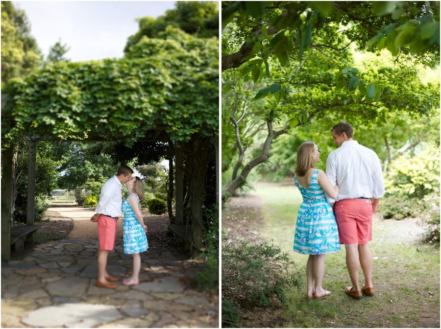cute engagement portrait poses, summer engagement photography