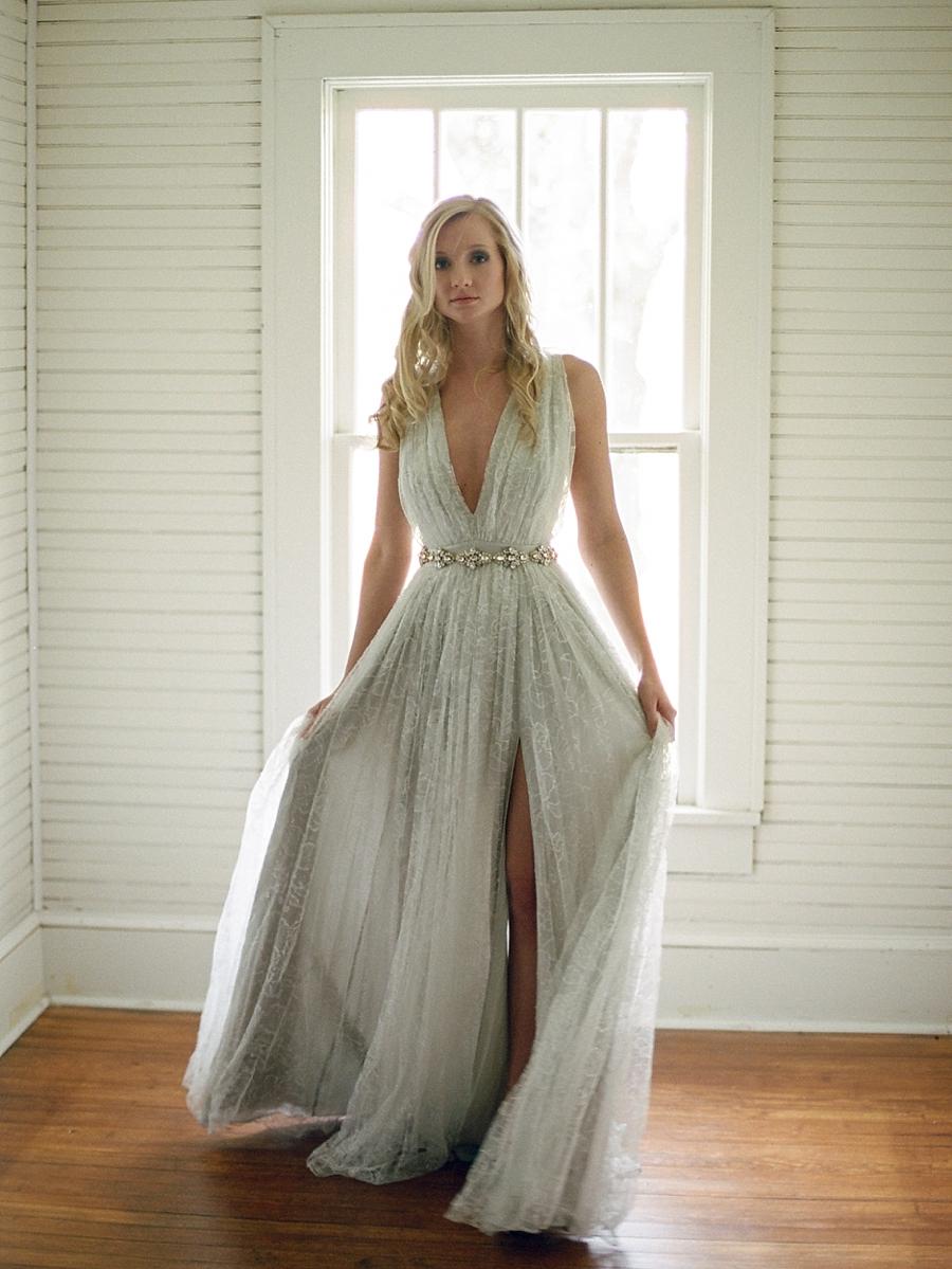 fine-art-farmhouse-wedding-inspiration-portraits_0007