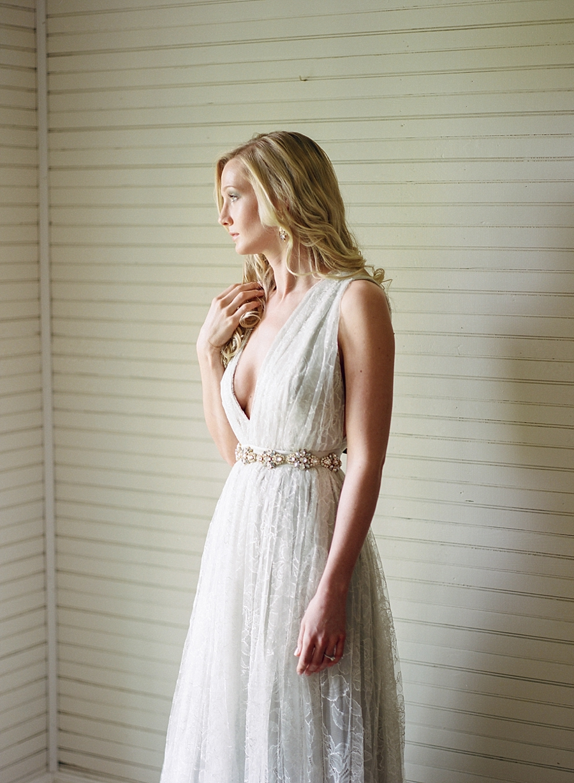 fine-art-farmhouse-wedding-inspiration-portraits_0010