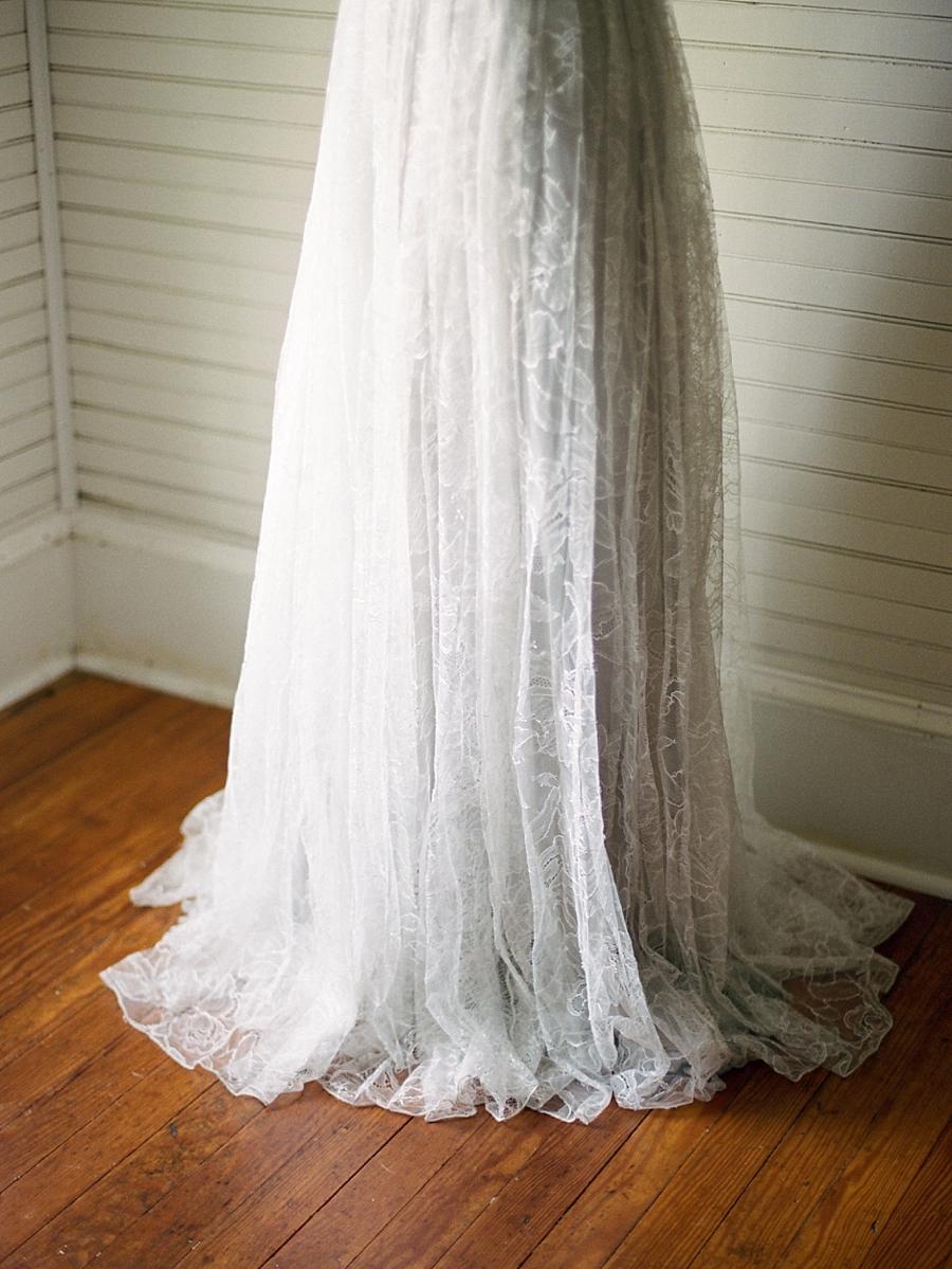 fine-art-farmhouse-wedding-inspiration-portraits_0015