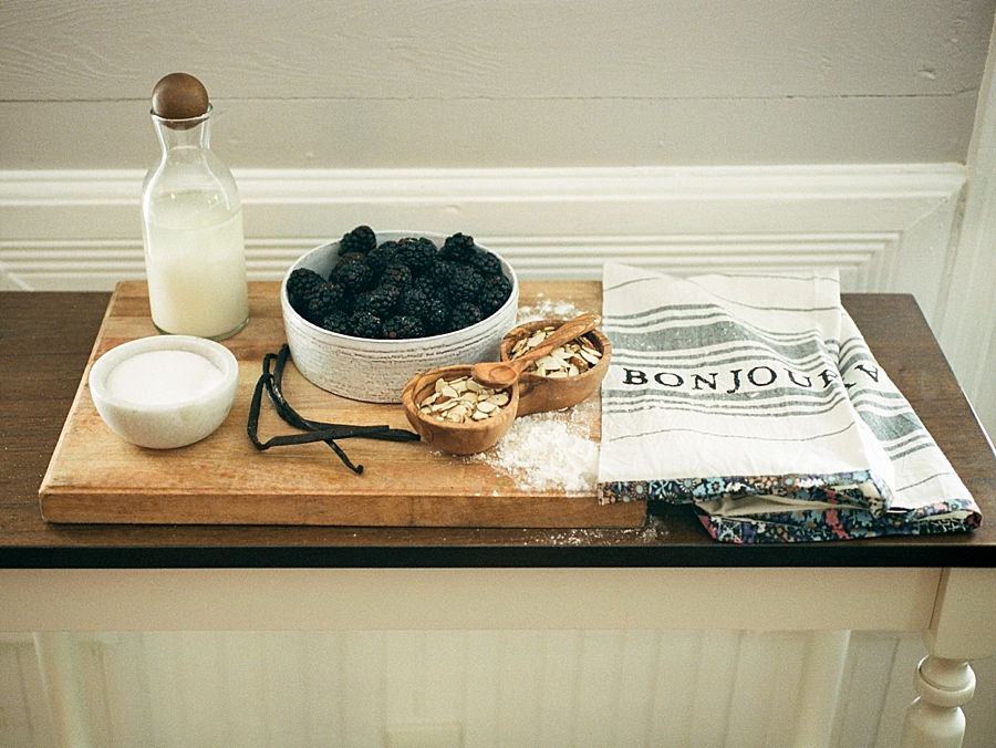 french-elopement-intimate-home-recption-dinner_0023