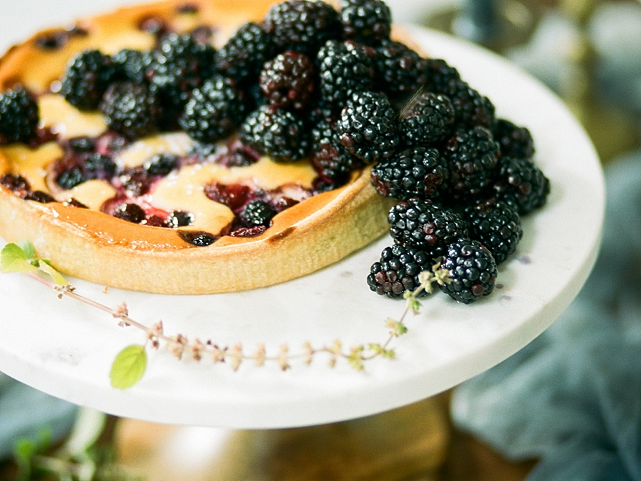 french-elopement-intimate-home-recption-dinner_0033