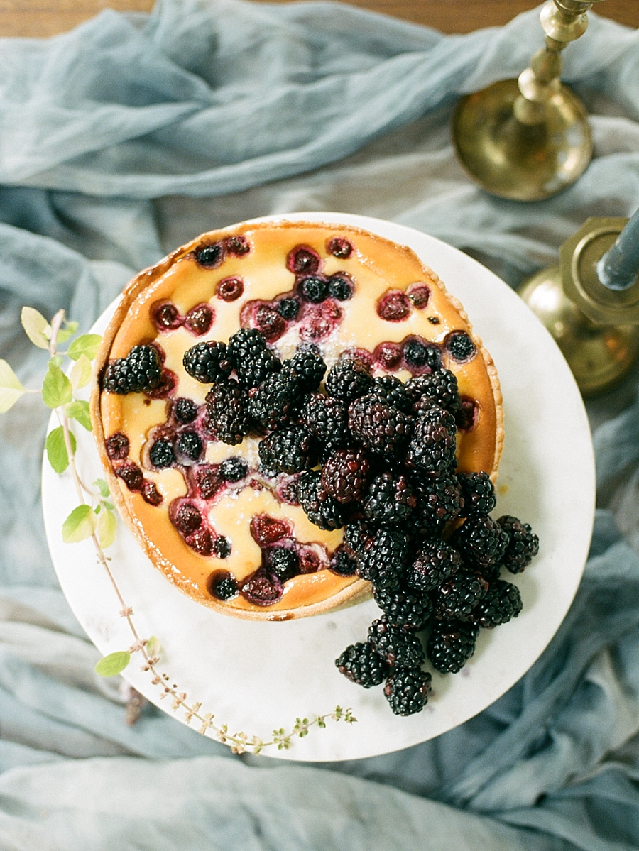 french-elopement-intimate-home-recption-dinner_0035