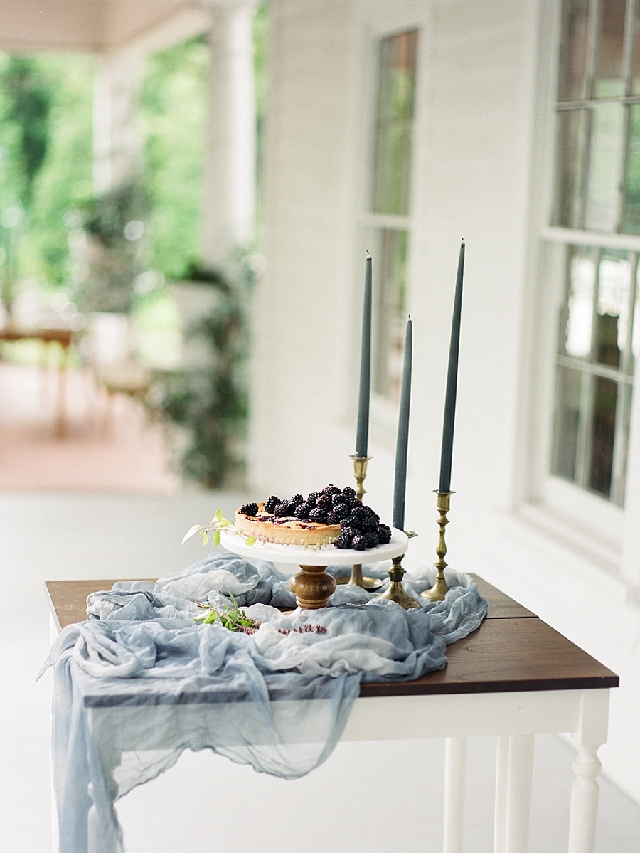 french-elopement-intimate-home-recption-dinner_0036